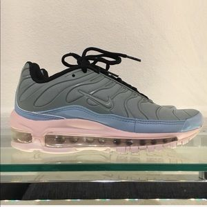 Nike Shoes - Nike Air Max 97 Plus
